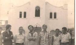 Fotos da história do Serrolândia. Alguém identifica as pessoas nas fotos?