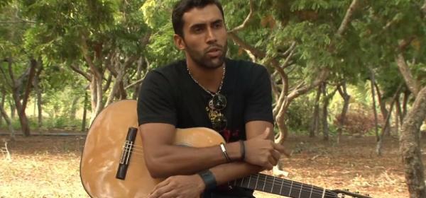 Serrolandense faz sucesso na música e grava entrevista para a TV Olhos D'Água. Veja Vídeo
