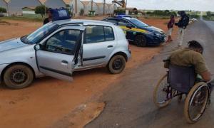 PRF flagra cadeirante dirigindo carro na Região Oeste da Bahia
