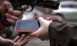 Criminosos levaram vários aparelhos de celular na noite desta terça em Miguel Calmon