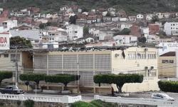 Ventania derruba parte do telhado do Fórum Jorge Calmon em Jacobina