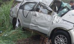 Idosa morre e homem fica ferido após acidente em rodovia na Bahia; veículo ficou destruído
