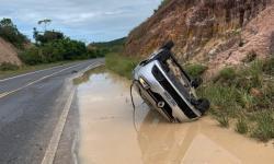 Targino Gondim sofre acidente de carro na Linha Verde
