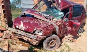 Homem morre e sua mãe fica ferida, vítimas de acidente com carro no município de Serrolândia