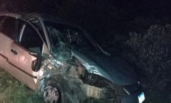 Condutor de Fiesta fica ferido ao colidir na traseira de trator em Lages do Batata em Jacobina