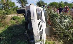 Homem morre esmagado após carro capotar no município de Jacobina