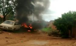 Carro incendiado em Caatinga do Moura de Jacobina