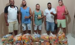 Vereador e Presidente da Câmara Rege de Vigário e amigos realiza entrega de cestas em Serrolândia