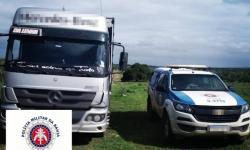 Caminhão roubado em Sergipe é encontrado com gado na Bahia