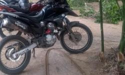 Moto é encontrada após ser tomada de assalto em Várzea da Roça