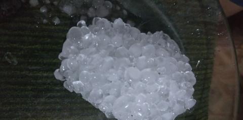 Chuva de granizo surpreende moradores do município de Saúde