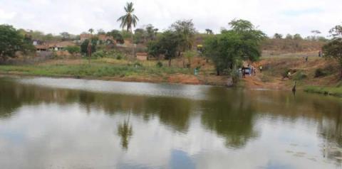 Corpo é encontrado boiando na barragem do Maxixe, no município de Piritiba-BA