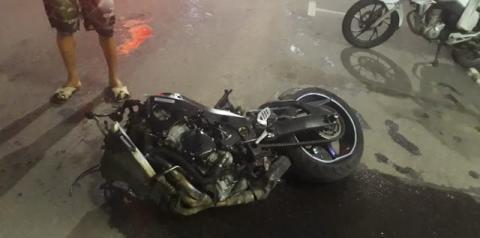 Jovem sofre grave acidente com moto no centro de Jacobina