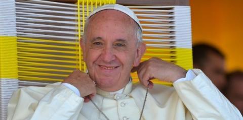 Papa critica quem vai à missa mas não ajuda seus irmãos: 'Sua fé está morta'