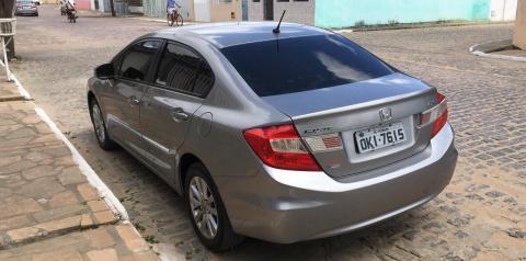Serrolandense tem carro roubado no Ramal de Quixabeira