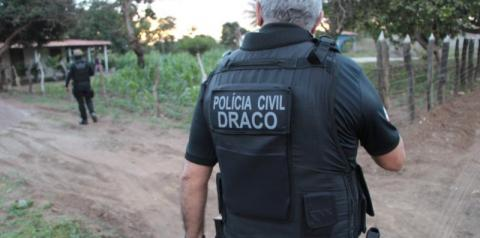 Polícia cumpre mandados na Bahia contra grupo suspeito de roubos a bancos