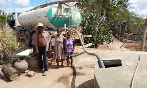Prefeitura de Várzea do Poço fortalece distribuição de água as famílias que necessitam na zona rural