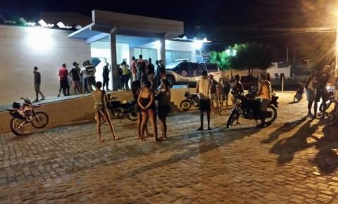 Mulher morre ao ser atingida por moto conduzida por sobrinho em Lajedo do Braga