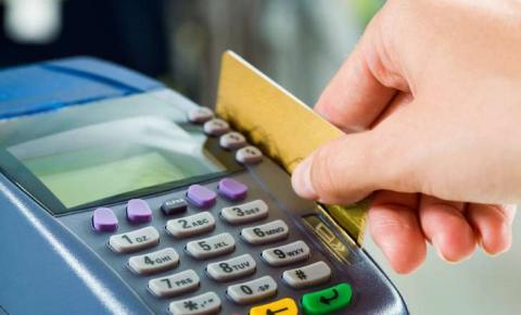 Justiça proíbe comercialização de cartão Santander Free