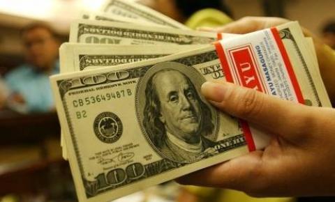 Dólar sobe após declaração de economista da campanha de Marina
