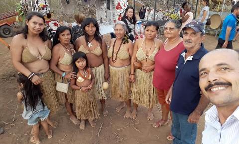 Vice prefeito de Serrolândia prestigiado a XI Festa do Licurí, na localidade Mata do Estado em Capim Grosso.