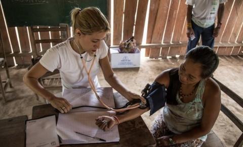 Mais Médicos é estendido por mais 3 anos e quer trocar cubanos por brasileiros