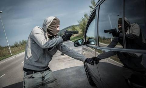 Passageiros do carro da saúde de Miguel Calmon são assaltados após Mundo Novo.