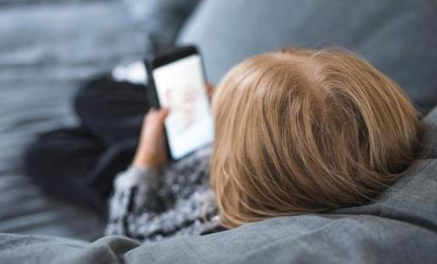 Smartphone afeta a saúde mental, e o dano pode começar em crianças de 2 anos!