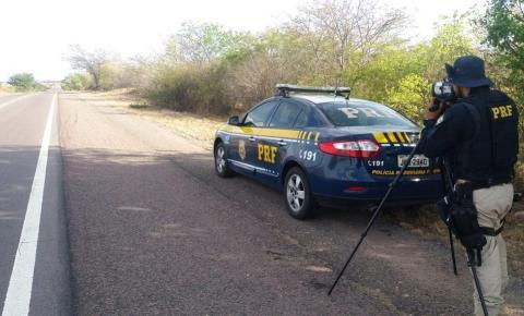 PRF realiza comando de velocidade, utilizando radar na BR 324, entre Capim Grosso e Nova Fátima