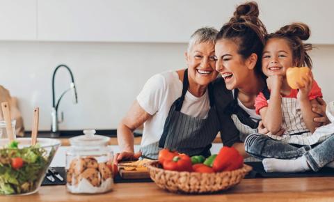 O que te faz sorrir? Nutricionista explica como o carboidrato te deixa mais feliz