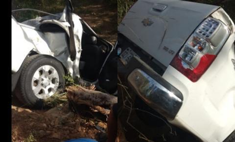 Casal sobre acidente de carro na BR 324, próximo a comunidade de Palmeirinha em Jacobina