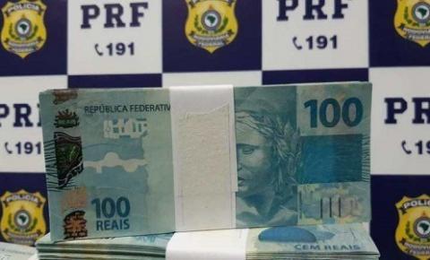 Passageiro é preso com mais de R$ 200 mil em dinheiro falso em ônibus na Bahia; cédulas seriam distribuídas durante Carnaval de Salvador