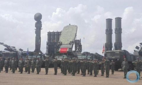 Venezuela provoca Brasil e posiciona mísseis na fronteira
