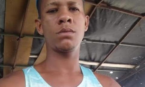 JOVEM NATURAL DE VÁRZEA DA ROÇA É MORTO A TIROS NO BAIRRO SACRAMENTO EM CAPIM GROSSO