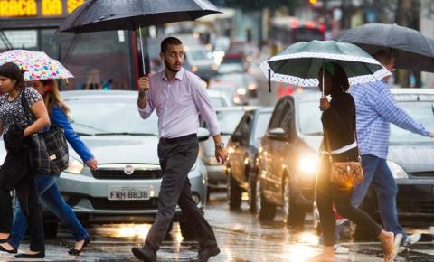 São Paulo tem dia mais chuvoso do ano, diz CGE