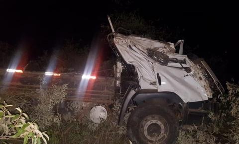 Caminhão capota e deixa um morto na BA-052, próximo a Porto Feliz