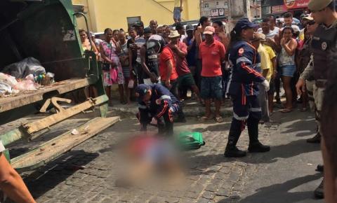 Caminhão do lixo atropela e mata mulher no Centro