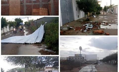 Chuva rápida, acompanhada de ventos fortes causa estragos em Quixabeira