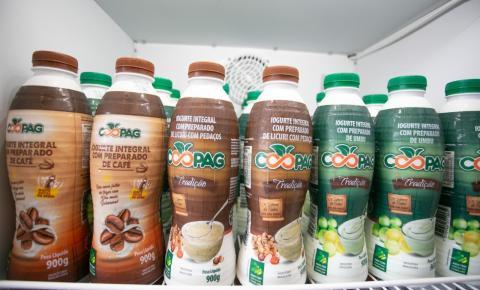 Iogurtes produzidos por agricultores familiares de Várzea Nova chegam a supermercados da capital baiana