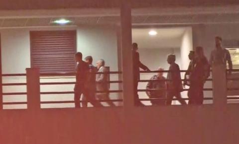 Michel Temer chega à Superintendência da PF no Rio; ex-presidente vai ficar sozinho em cômodo
