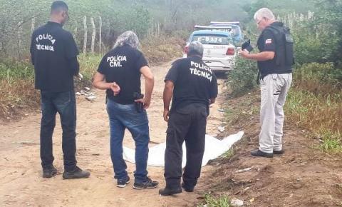 Mulher é encontrada morta, com cabeça enrolada em um saco em Feira de Santana