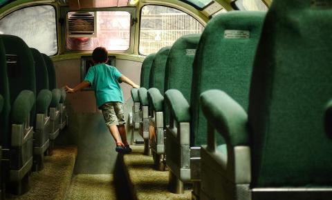 Mudanças na lei alteram regras para a adolescentes e crianças viajarem dentro do território nacional