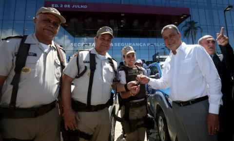"""""""Me orgulho de realizar um dos maiores investimentos do Brasil em segurança"""", diz Rui durante entrega de viaturas"""