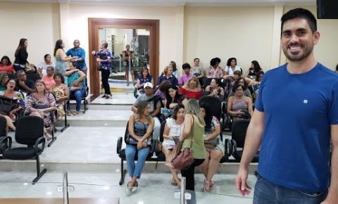 Paulo Henrique realiza palestra sobre Educação Financeira para mulheres