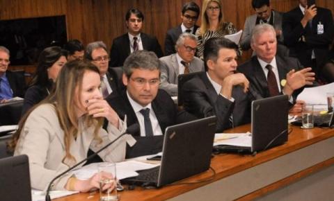CCJ aprova mais 2 anos de mandato a prefeitos e vereadores