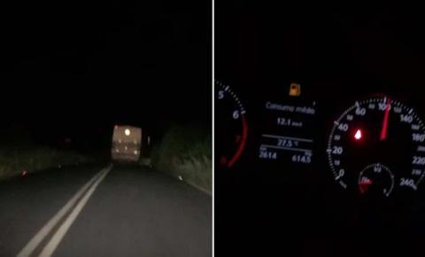 Motorista de ônibus escolar é flagrado a mais de 100 km/h em Várzea do Poço
