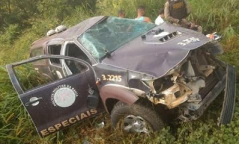 Viatura da Rondesp tomba e deixa 4 PMs feridos na Bahia