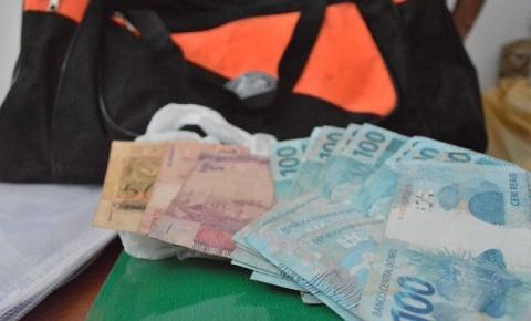 Garis devolvem sacola com R$ 1.070,00 no interior da Bahia