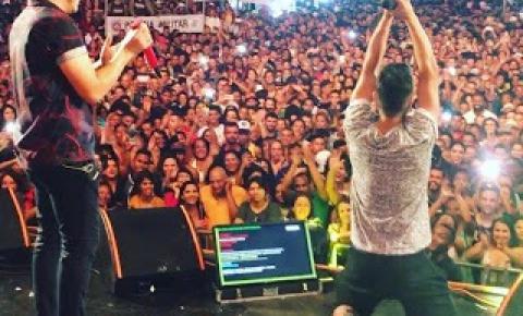 Quixabeirense Yuri Rios canta com Safadão em Porto Seguro