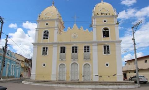Padre é assaltado e bandidos levam carro da Paróquia na Bahia